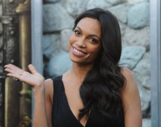 """Rosario Dawson attends the """"Zookeeper"""" premiere in Los Angeles"""
