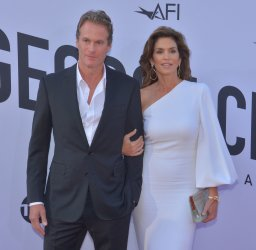 Rande Gerber and Cindy Crawford arrive for the AFI tribute gala to George Clooney in Los Angeles