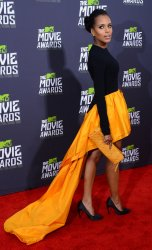 Kerry Washington arrives at 2013 MTV Movie Awards in Culver City, California