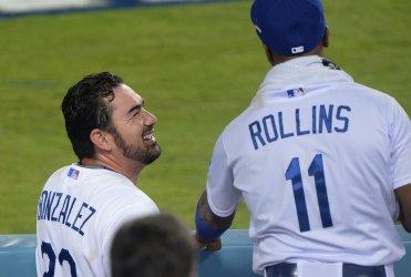 Dosgers' Adrian Gonzalez's hits 2 RBI double against Mets