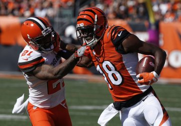 Bengals A.J. Green break free from Browns Jamar Taylor