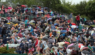 The rain comes down at 2013 Wimbledon Championships