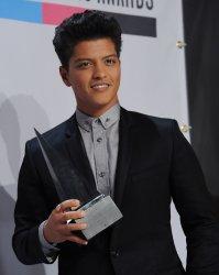 Bruno Mars garners favorite male artist award at the 39th American Music Awards in Los Angeles