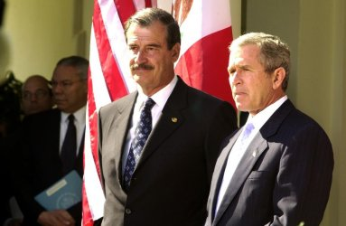 Mexican President Vicente Fox visit President Bush at White House