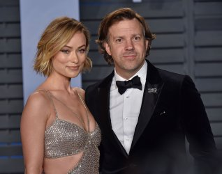 Olivia Wilde attends the Vanity Fair Oscar Party in Beverly Hills