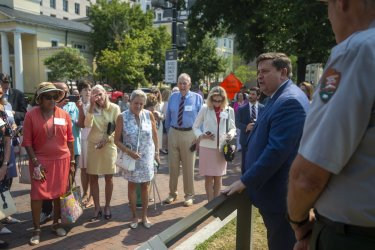 White House Historical Association Unveils Historical Plaques in Lafayette Square