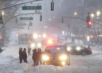 Winter Snow Storm Nor'easter Continues in New York
