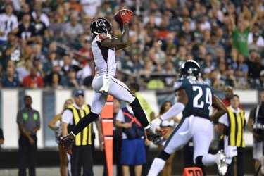 Falcons wide receiver Julio Jones catches the ball