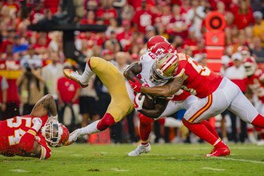Chiefs Damien Wilson and Anthony Hitchens take down 49ers Deebo Samuel