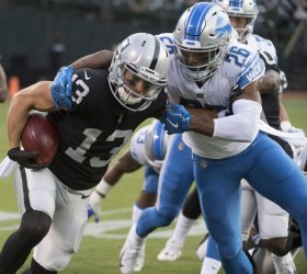Raiders Griff Whalen runs against Lions in Oakland