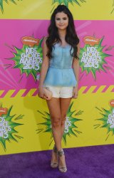 Selena Gomez attends the 2013 Nickelodeon Kids' Choice Awards in Los Angeles