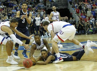 Kansas vs Viiianova in the NCAA Division I basketball Championship