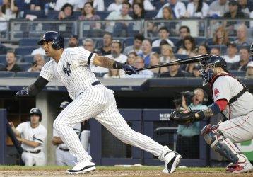 New York Yankees Aaron Hicks drives in 2 runs
