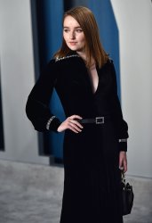 Kaitlyn Dever attends Vanity Fair Oscar party 2020