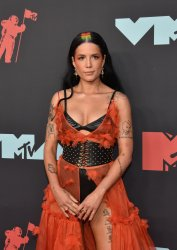 Halsey at the MTV Video Music Awards