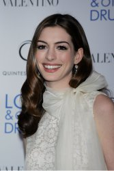 "Anne Hathaway arrives for the premiere of ""Love & Other Drugs"" in New York"