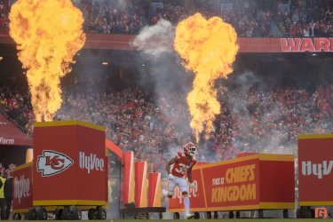 Chiefs Charvarius Ward comes out of the tunnel