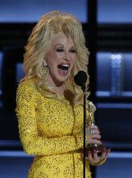 Dolly Parton at 2016 Country Music Awards