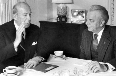 GEORGE SCHULTZ AND ROBERT BYRD MEETING IN BYRD'S OFFICE
