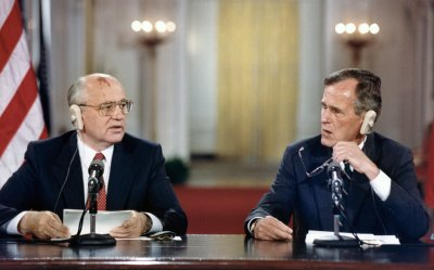 Presidents Gorbachev and Bush hold a joint new conference at the White House to conclude the Summit meetings