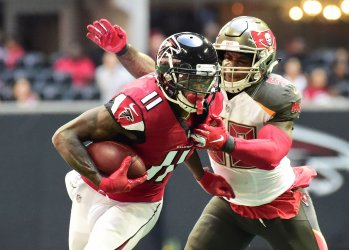 Falcons' Julio Jones makes 1st down during an NFL game in Atlanta
