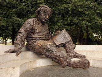 Albert Einstein statue in Washington