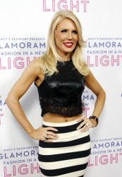TV PERSONALITY GRETCHEN ROSSI ATTENDS MACY'S PASSPORT PRESENTS: GLAMORAMA 2013 IN LOS ANGELES