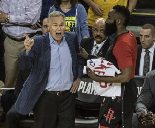 Rockets head coach Mike D'Anton loses to Warriors