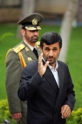 Iran's President Mahmoud Ahmadinejad meets Armenian President Serzh Sarkisian in Tehran