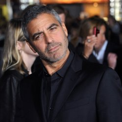 """George Clooney arrives for the premiere of """"Up in the Air"""" in Los Angeles"""