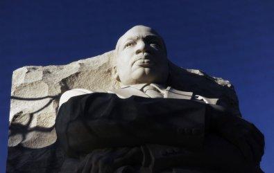 Progress continues at MLK Memorial in Washington