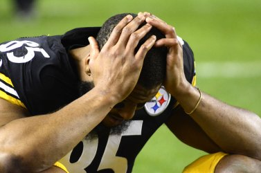 Pittsburgh Steelers Watches End of Browns v. Ravens Game