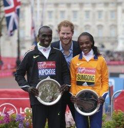 THE 2016  VIRGIN LONDON MARATHON WINNERS