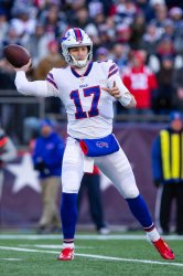 Bills Allen passes against Patriots