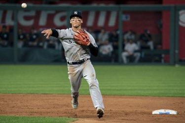 Yankees DJ LeMahieu Throws A Royals Runner Out At First