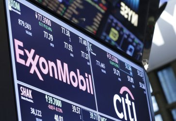Oil prices contiune to drop at the NYSE