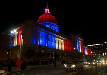 San Francisco City Hall lighted in solidarity with France