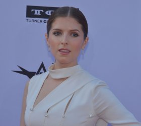 Anna Kendrick arrives for the AFI tribute gala to George Clooney in Los Angeles
