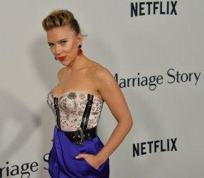 """Scarlett Johansson attends the """"Marriage Story"""" premiere in LA"""