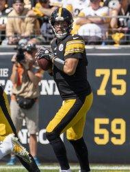 Steelers Quarterback Ben Roethlisberger Against Raiders