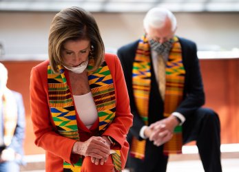 Speaker Pelosi and Leader Schumer hold moment of silence for George Floyd at the US Capitol