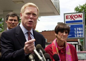 Gephardt speaks out on gas prices