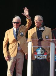 Bobby Beathard is inducted into the Pro Football Hall of Fame by Joe Gibbs