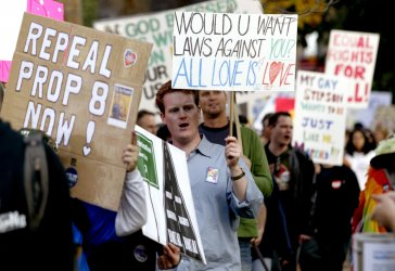 Protesters rally to overturn Proposition 8 in Sacramento, California