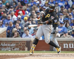 Pittsburgh Pirates Gregory Polanco breaks his bat in Chicago