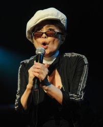 Yoko Ono Plastic Ono Band perform in London
