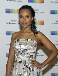 Kerry Washington arrives for the 2015 Kennedy Center Honors Formal Artist's Dinner