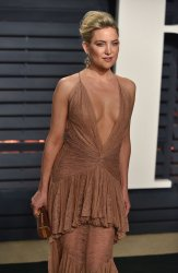 Kate Hudson arrives for the Vanity Fair Oscar Party in Beverly Hills