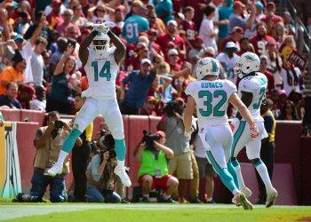 Miami Dolphina at Washington Redskins in Landover, Maryland