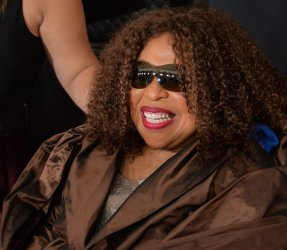 Roberta Flack arrives for the 62nd annual Grammy Awards in Los Angeles